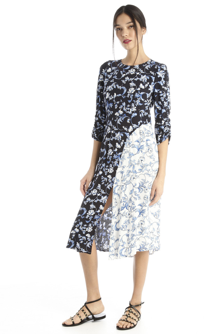 Georgette dress with slit Intrend