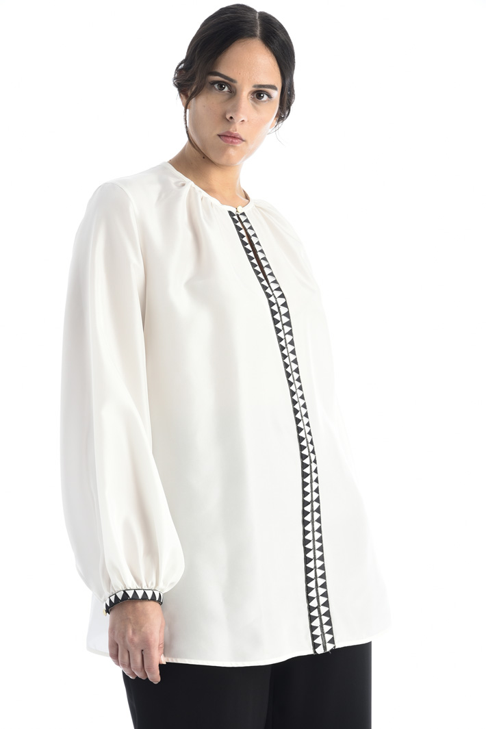 Embroidered silk blouse Intrend