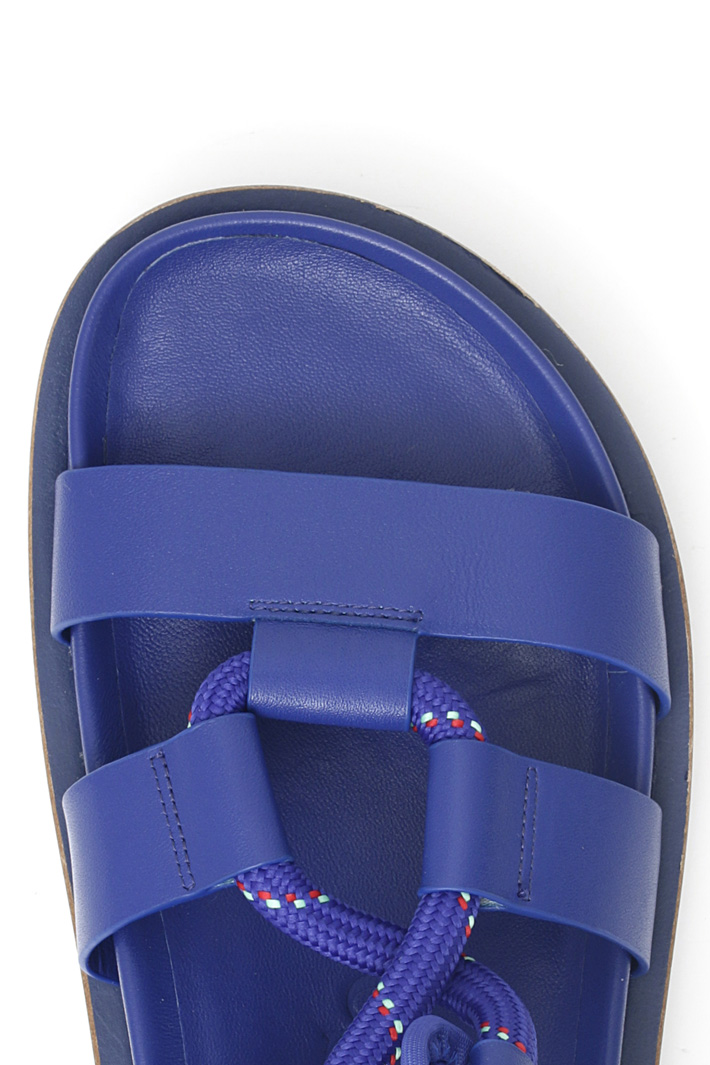 Laced-up sandals Intrend