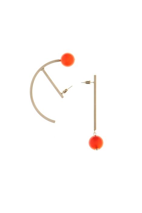 Asymmetrical earrings Intrend