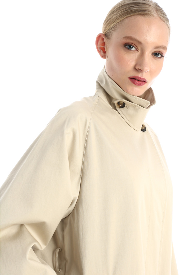 Water-resistant trench Intrend