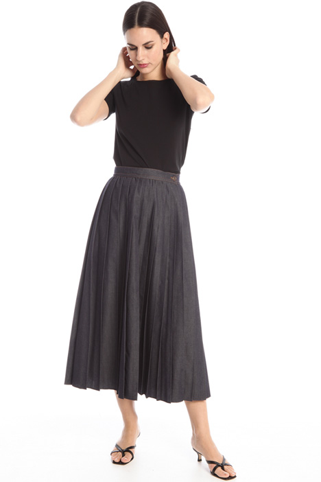 Pleated denim skirt Intrend