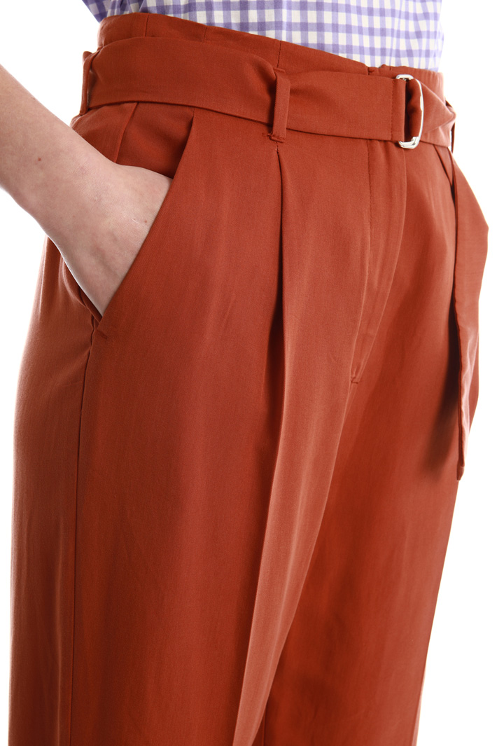 Trousers in natural fabric Intrend