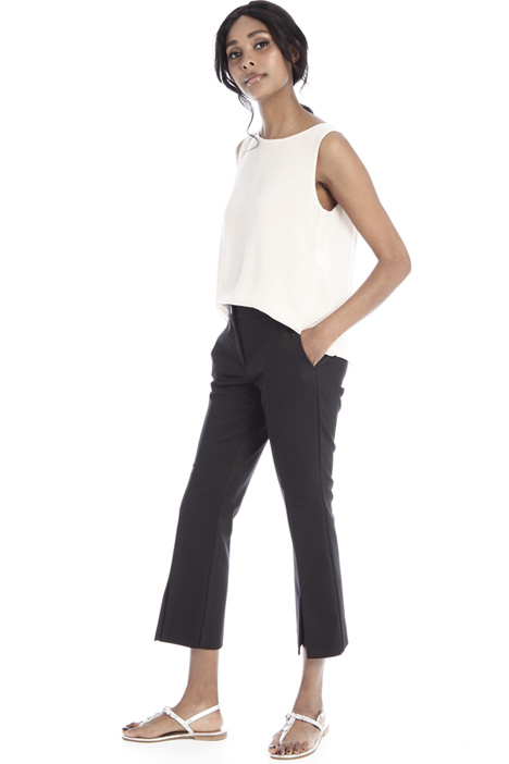 Trousers with slit Intrend