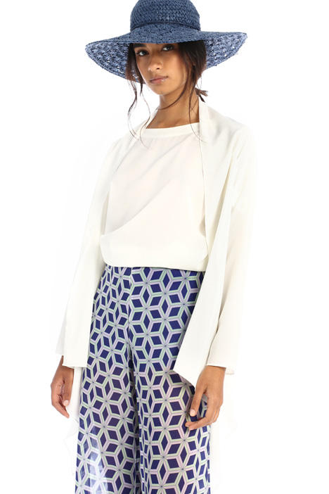 Crepe de chine shrug Intrend