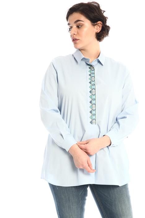 Embroidered poplin shirt Intrend