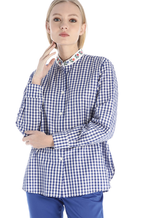 Embroidered collar shirt Intrend