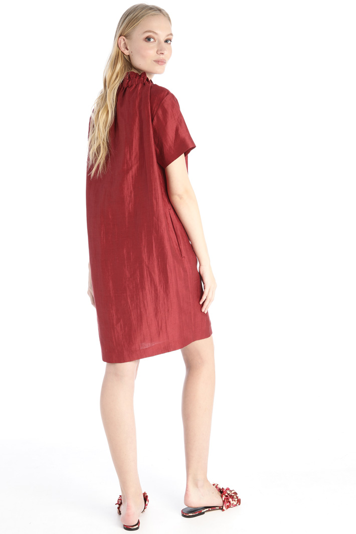 Dress in silk and linen satin Intrend