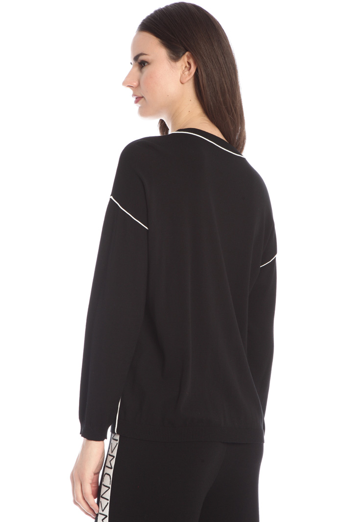 Sweater with piping Intrend