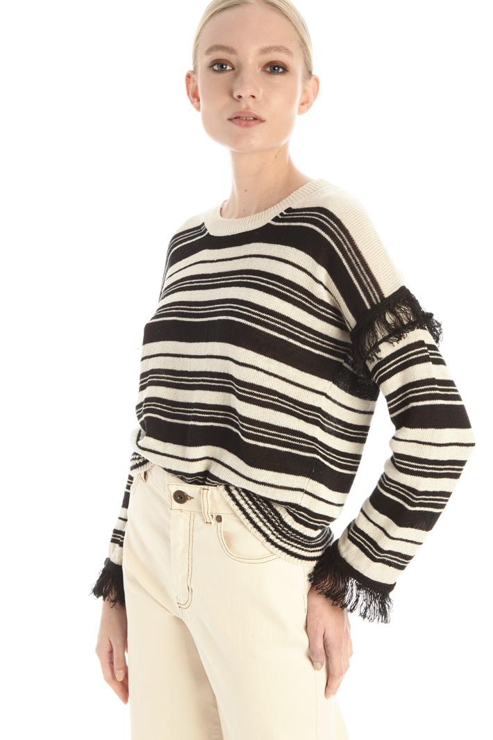 Fringed trim sweater Intrend