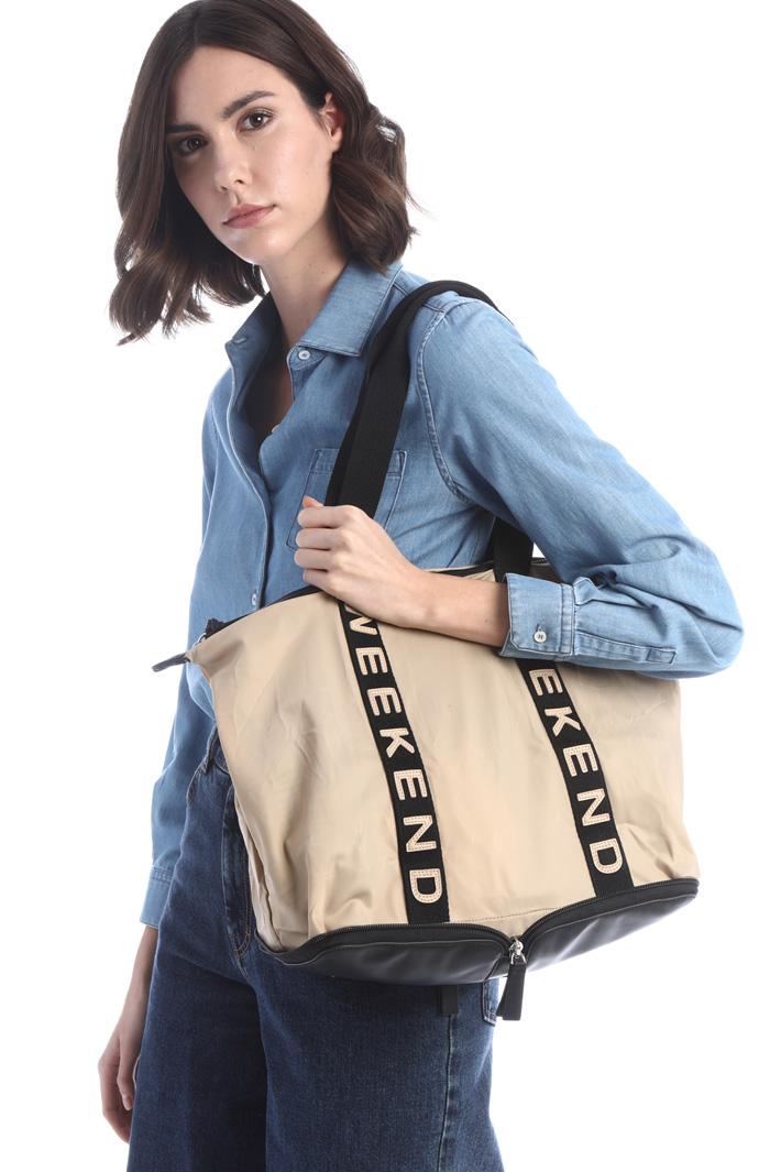 Tech shopper with zip Intrend