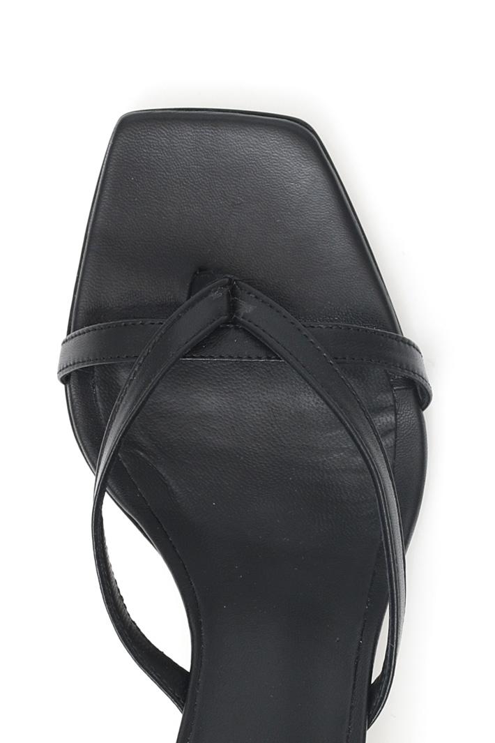Sandalo infradito con tacco Intrend