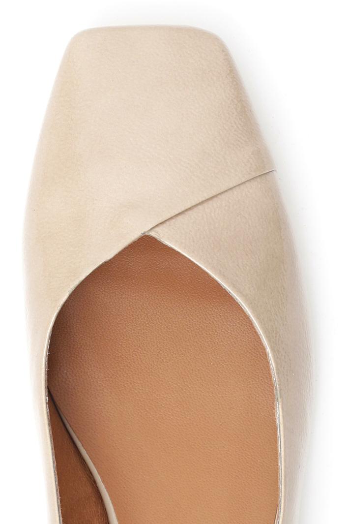 Square toe ballerinas Intrend