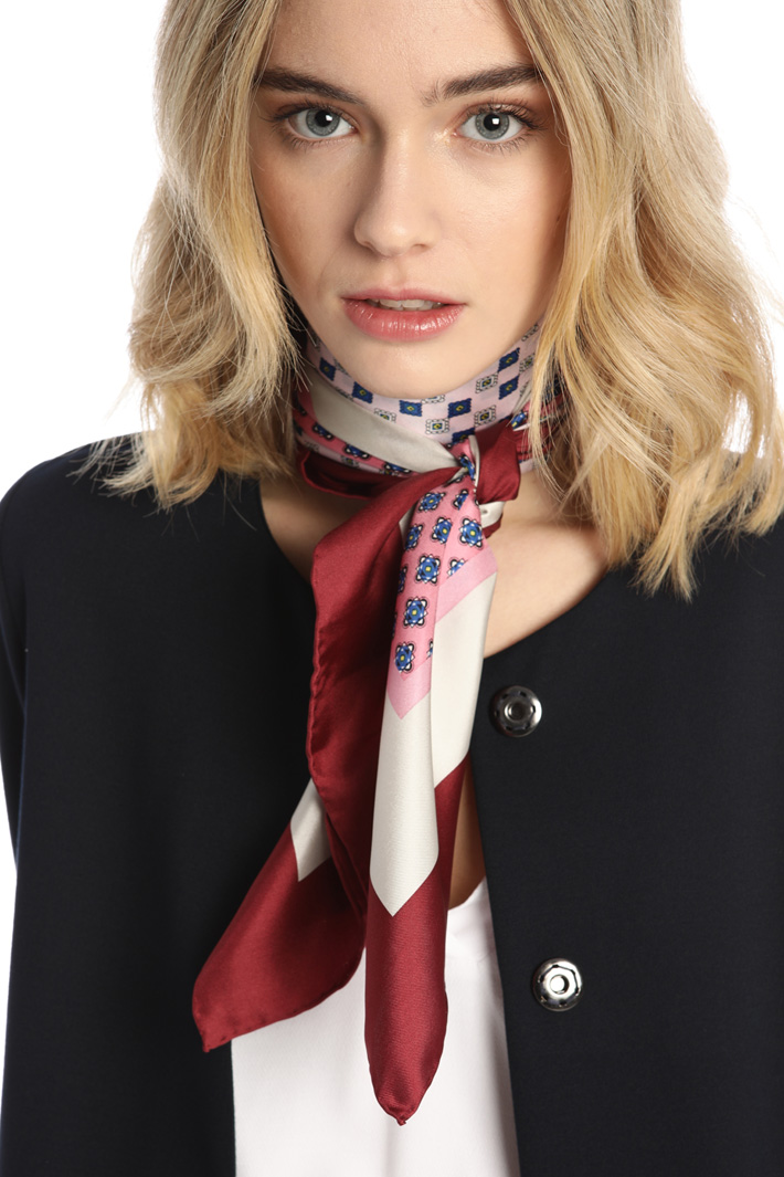Printed silk foulard Intrend