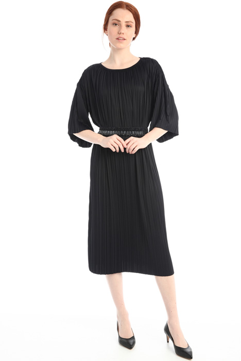 Oversized pleated dress Intrend