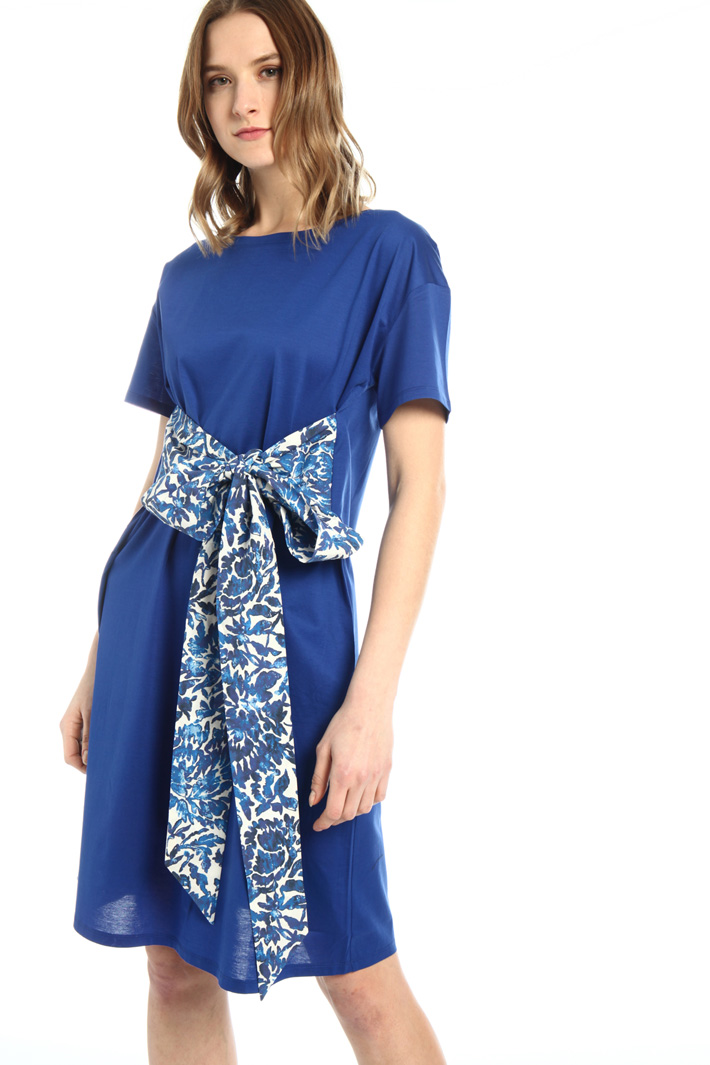 Jersey dress with sash Intrend