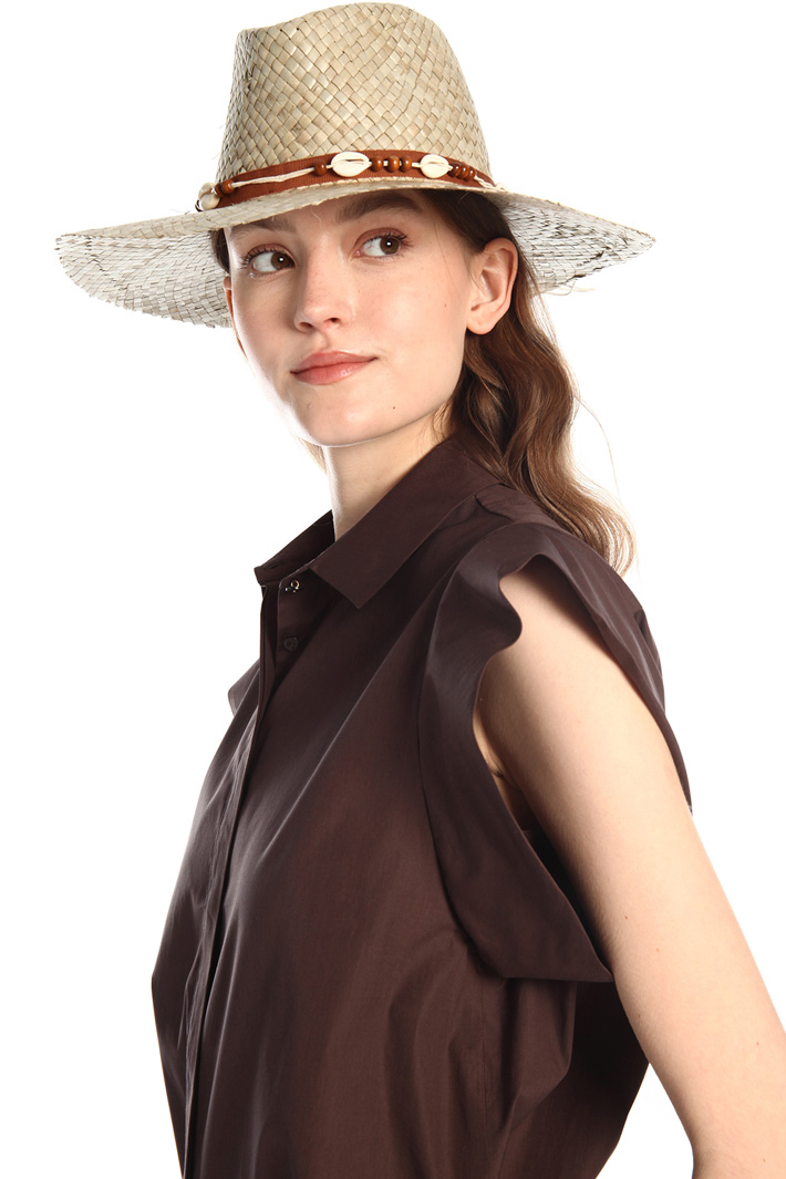 Detailed hat Intrend