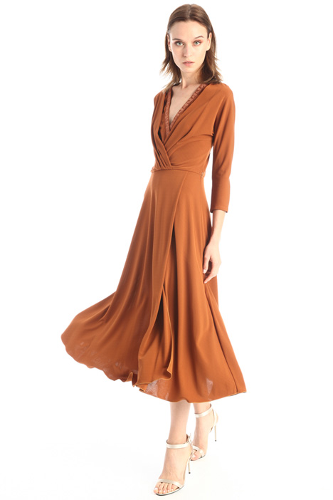Dress with V-crossed neck Intrend