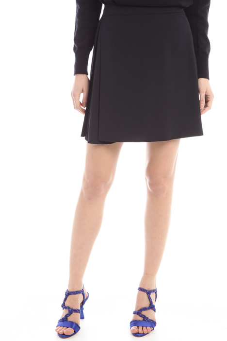 Skirt with asymmetric pleating  Intrend