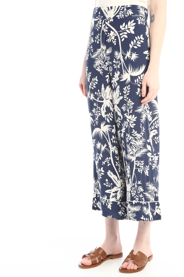 Soft cropped trousers Intrend