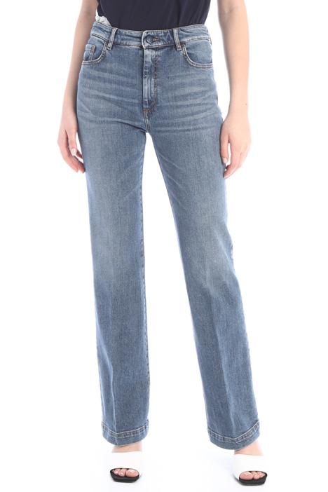 Jeans a zampa in denim Intrend