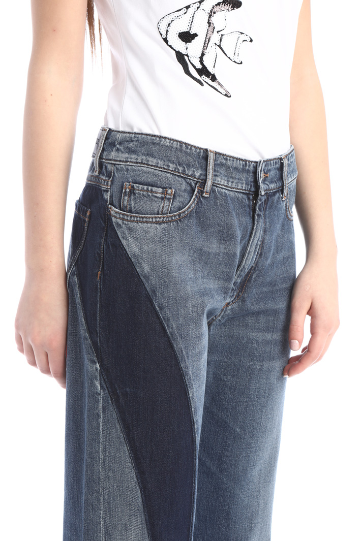 Contrasting insert jeans Intrend