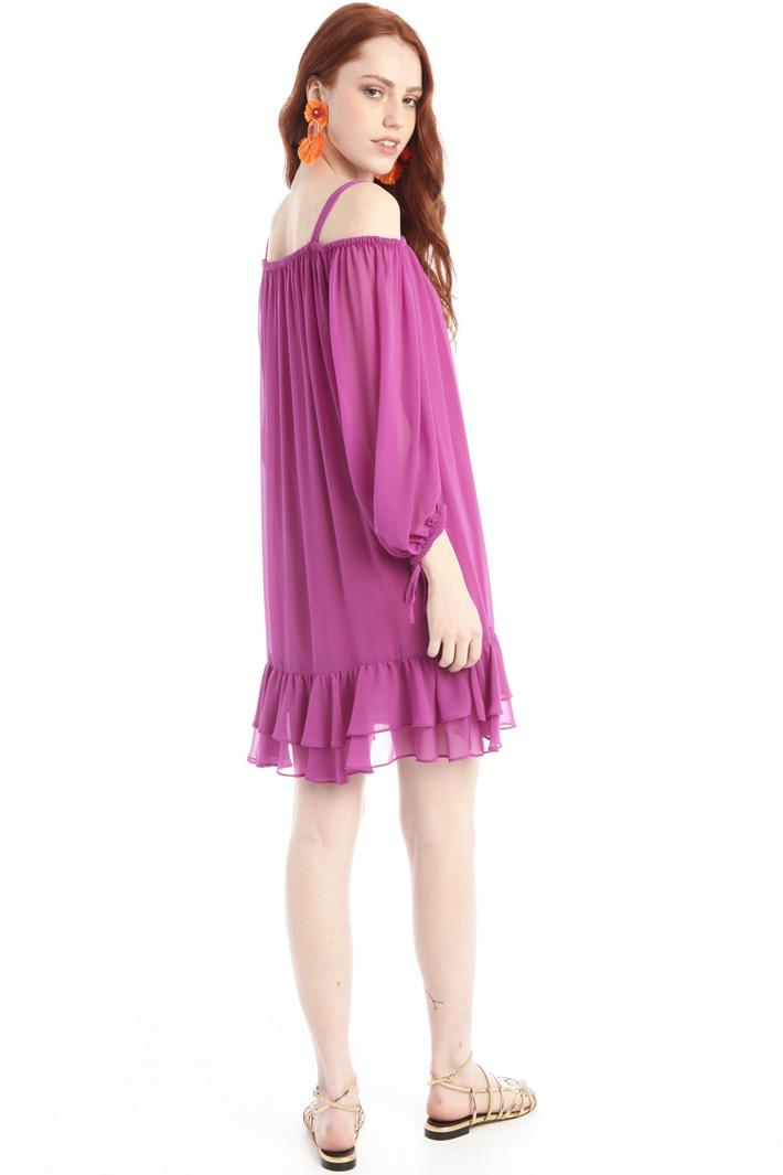 Off-shoulder georgette dress Intrend
