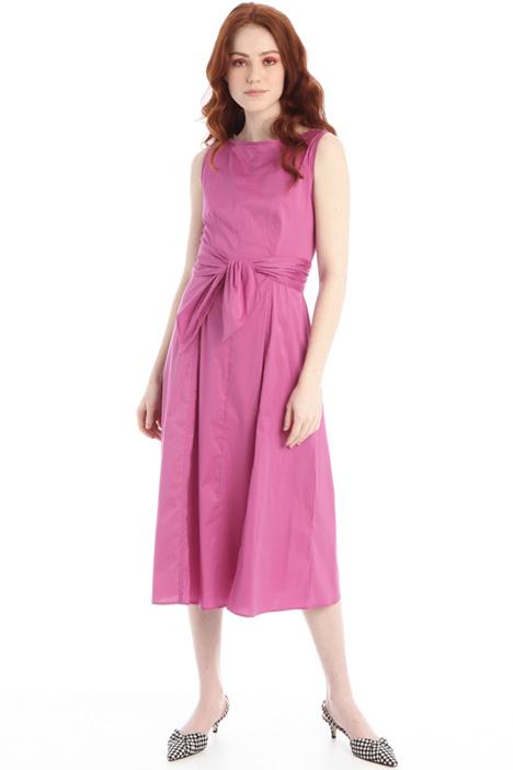 Semi-fitted poplin dress Intrend
