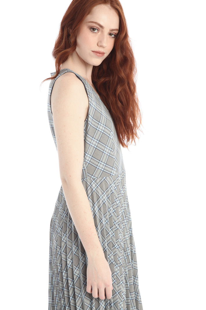 Pleated yarn dyed dress Intrend