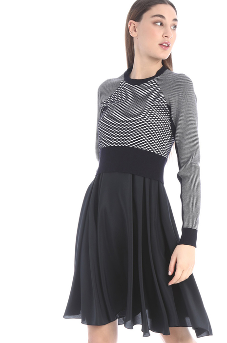 Two piece effect dress Intrend