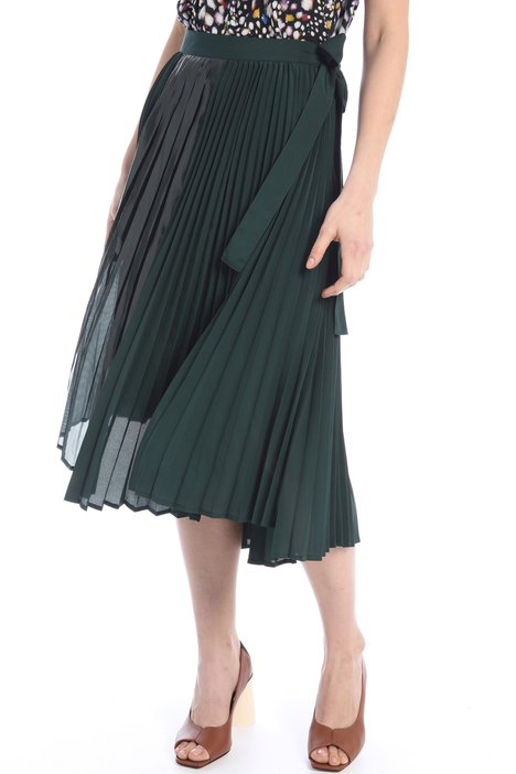 Asymmetrical skirt Intrend