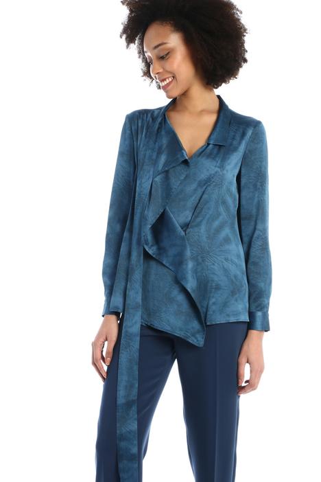 Asymmetrical satin blouse Intrend