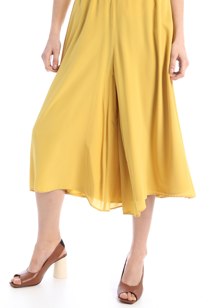 Crop trousers in crepe fabric Intrend