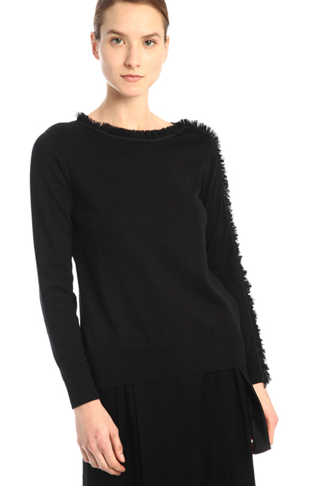 Frilled sweater Intrend