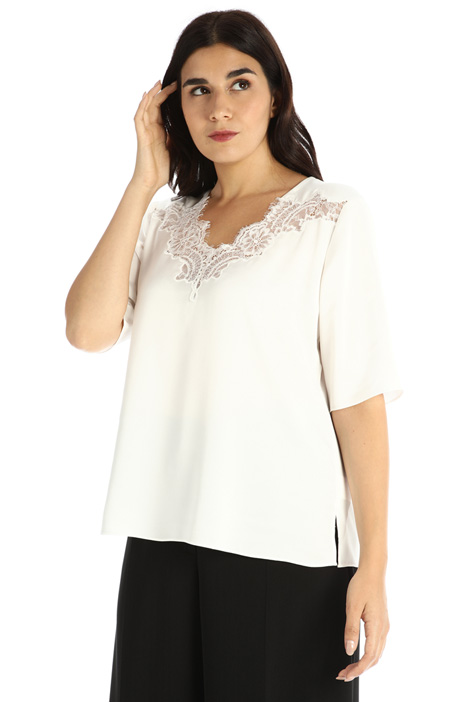 Lace trimmed satin blouse Intrend