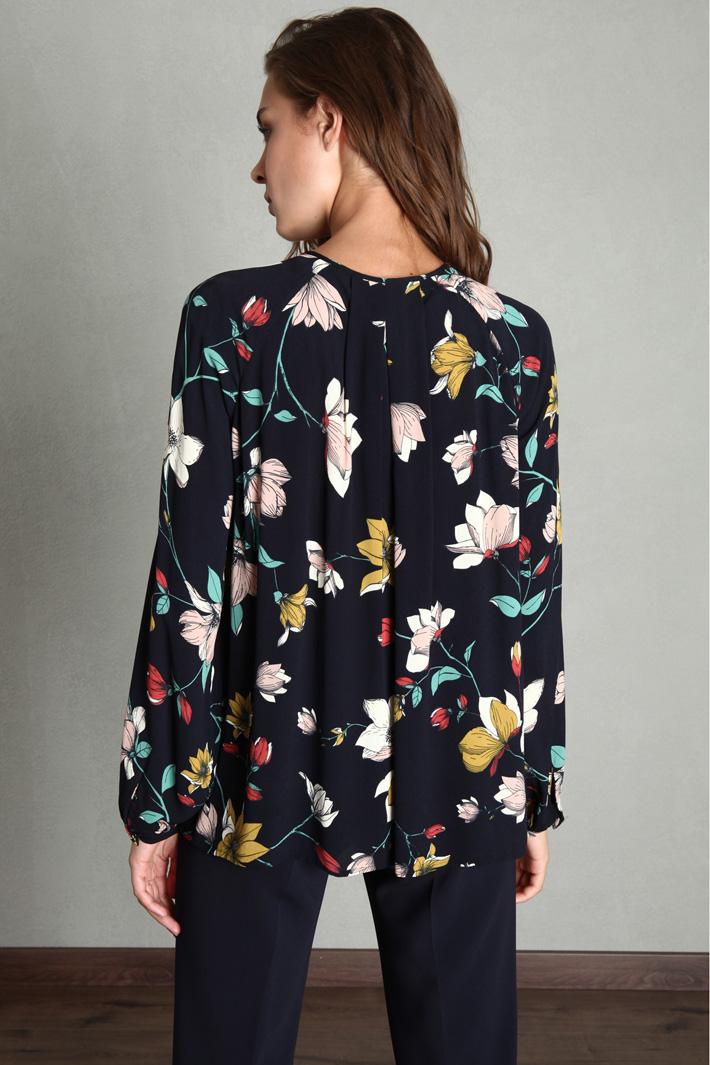 Fancy print blouse Intrend