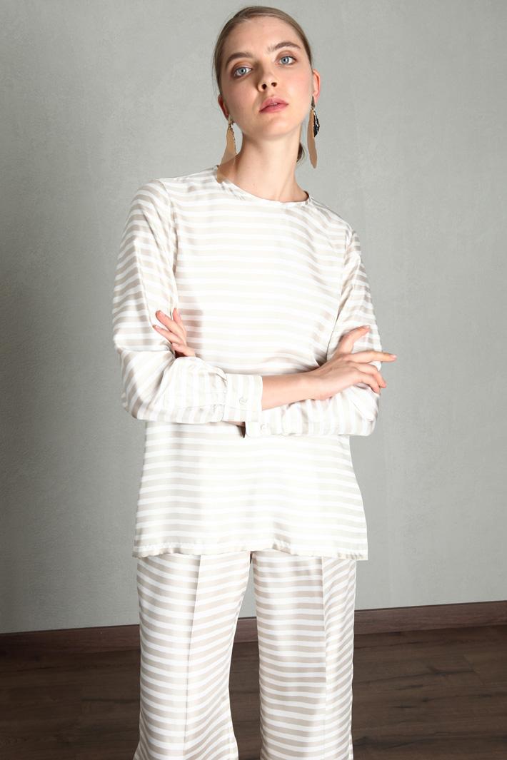 Silk twill blouse Intrend