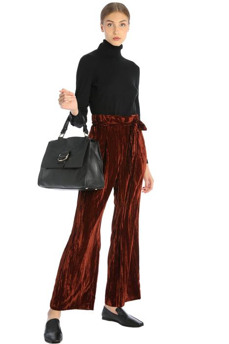 Shiny velvet trousers Intrend