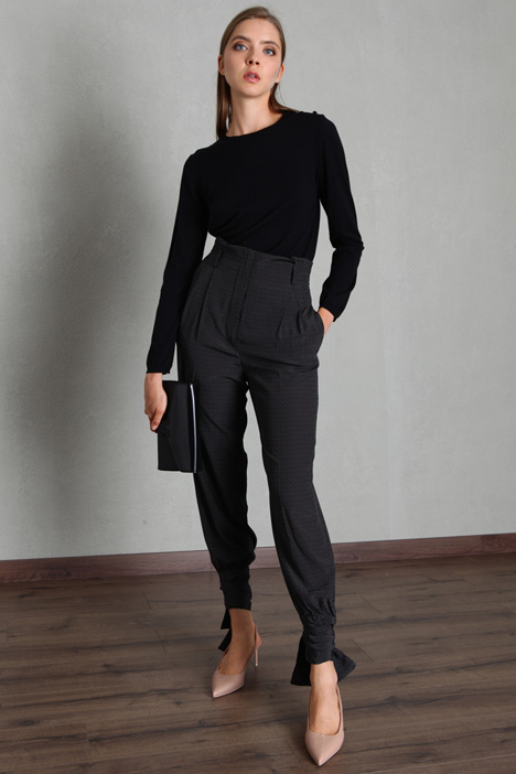 Laced hem trousers Intrend