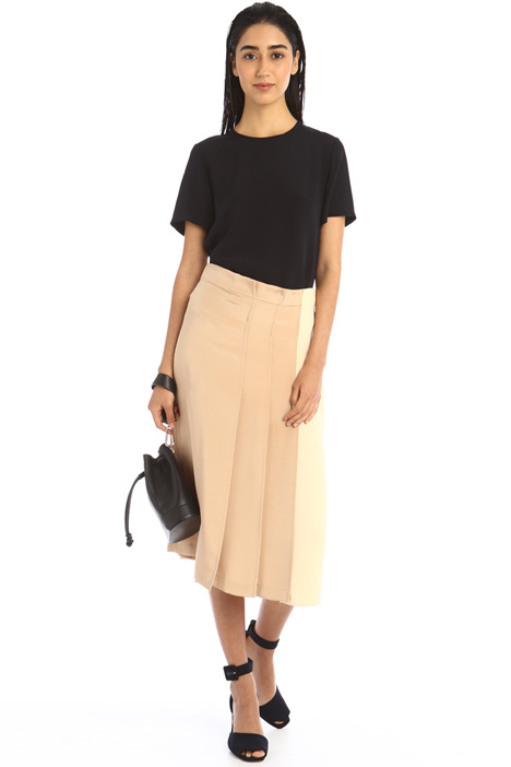 Two-material skirt Intrend