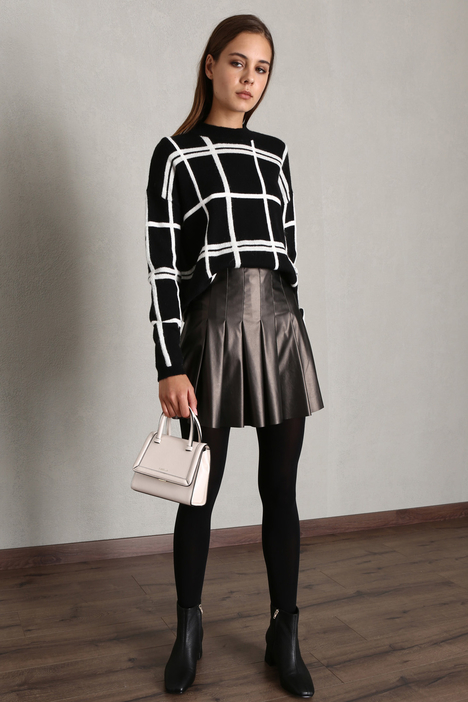 Faux leather pleated skirt Intrend