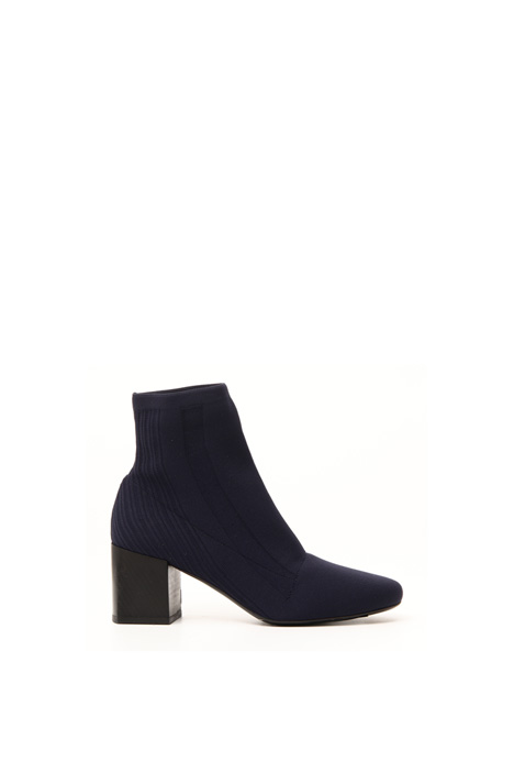 Knit boots Intrend