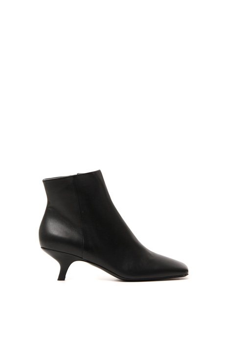 Square toe boots Intrend