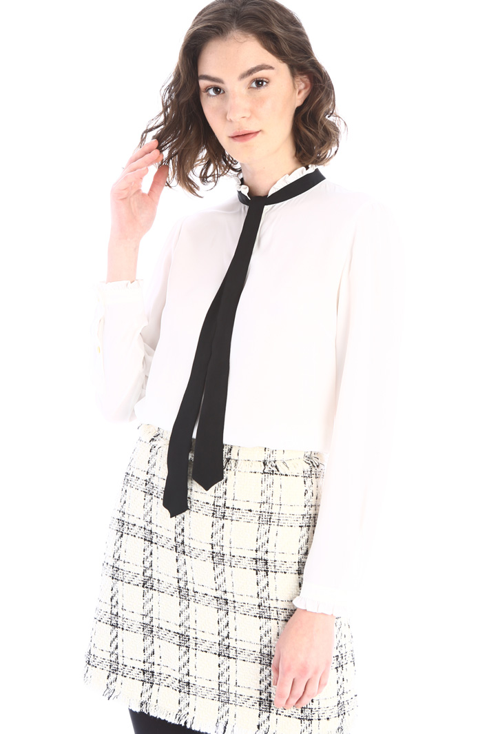 Frilled neck blouse Intrend