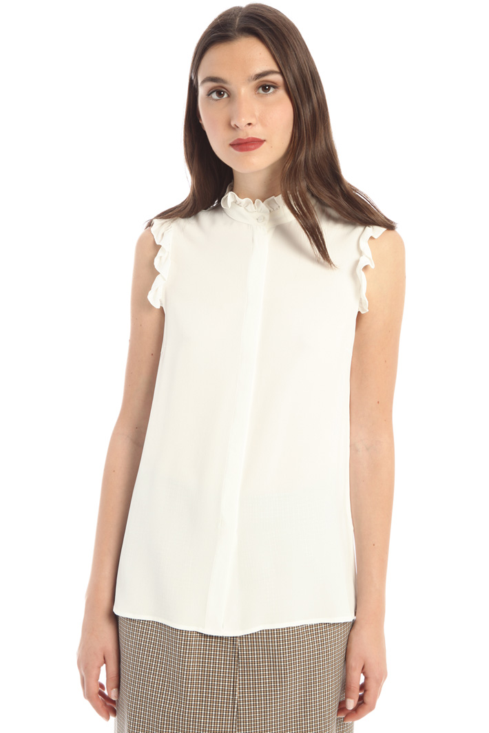 Crepe fabric flounce top Intrend