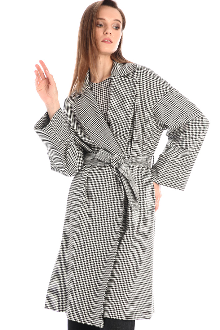 Patterned wrap overcoat Intrend