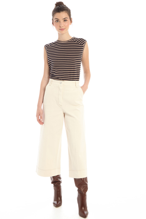 Pantaloni cropped in drill Intrend