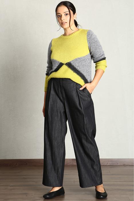 Lightweight denim trousers  Intrend