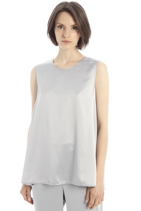 Flared satin top Intrend