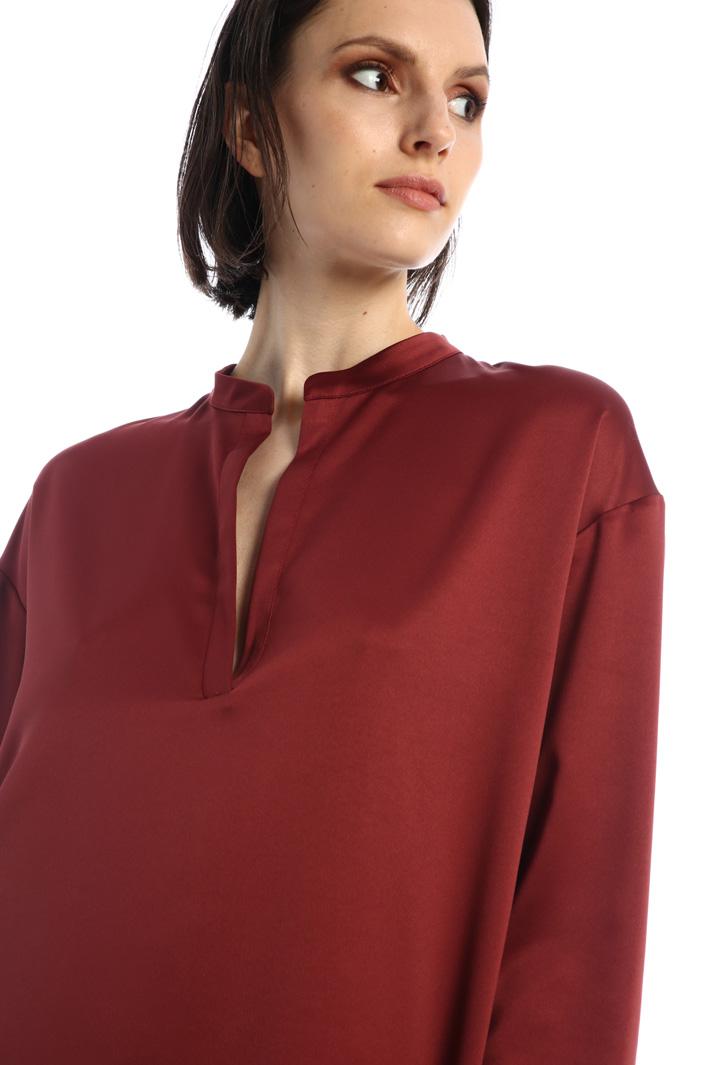 V-neck satin dress Intrend
